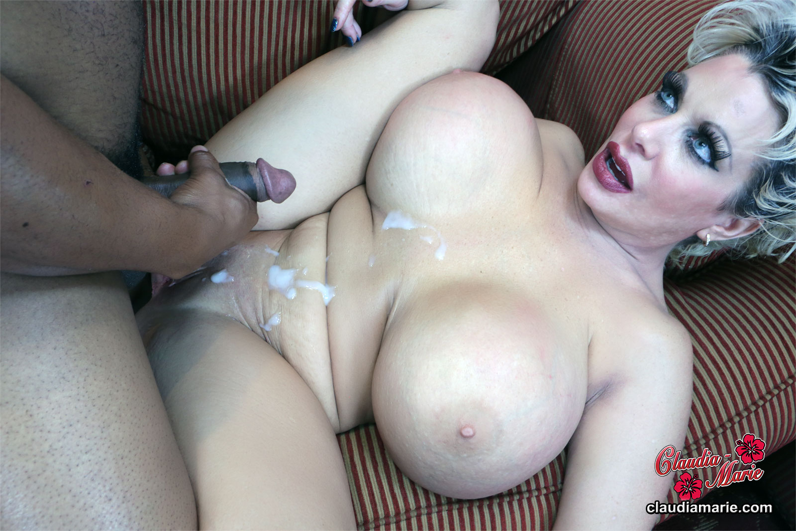 giant-silicone-tits-getting-fucked-video